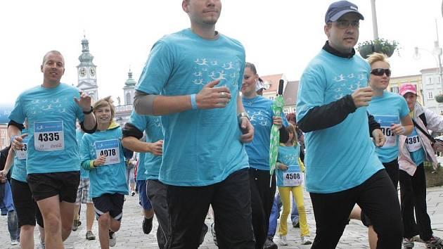 Přes šest stovek  účastníků přilákal sobotní Běh pro život v Č. Budějovicích. Vybrat se podařilo  106 500 Kč.