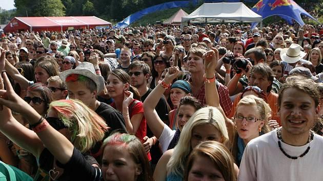 V podhradí hradu Rožmberk začíná 8. července dvoudenní festival České hrady.cz. Představí se mimo jiné Kryštof, Divokej Bill, Tomáš Klus nebo Vypsaná Fixa. Snímek z loňského ročníku.