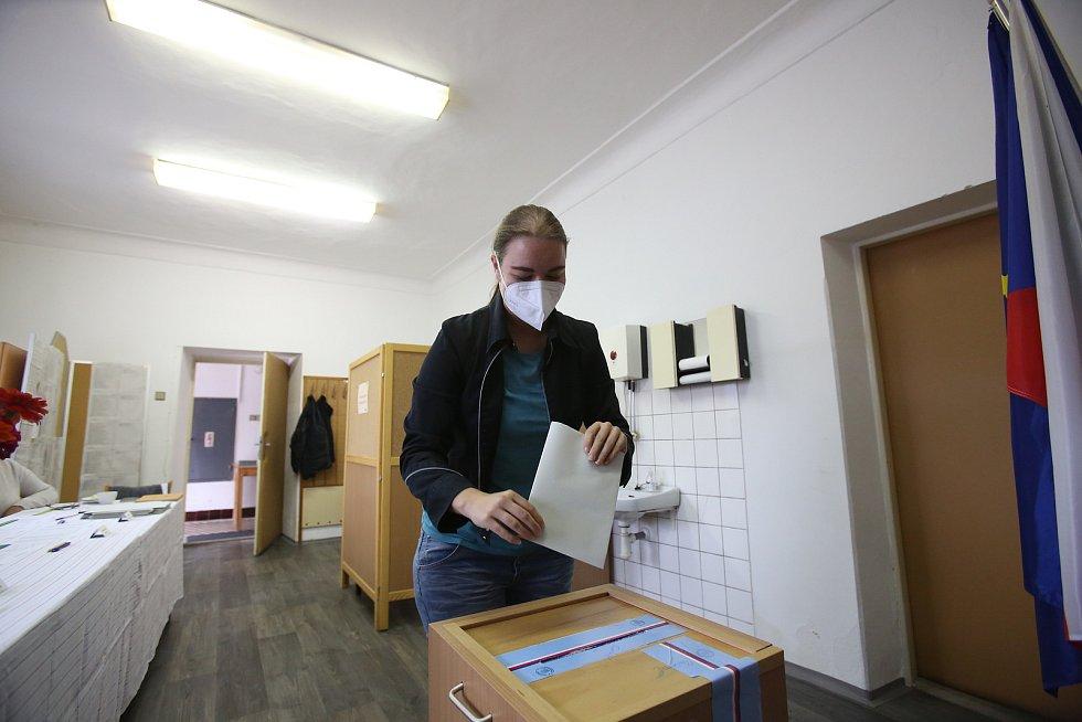 V Komařicích se pohybuje volební účast do krajského zastupitelstva standardně mezi 25 až 30 procenty.
