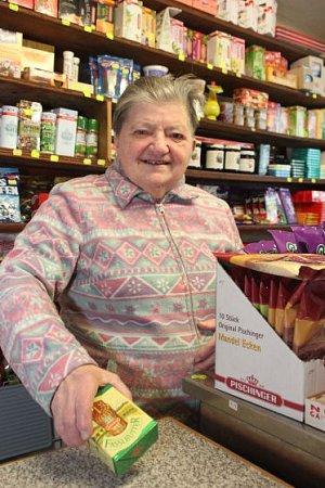 Paní Mayrhofferová (80) prodává dál.