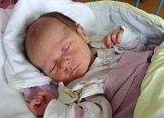 Rovné 3 kg vážila po narození Amálie Charvátová. Maminka Pavlína Charvátová ji přivedla na svět 4. 4. 2017 v 1.52 h. Doma v Hluboké nad Vltavou ji čeká čtyřletá sestřička Adélka.