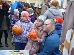 V sobotu se v Kamenném Újezdu uskutečnilo tradiční dýňování.