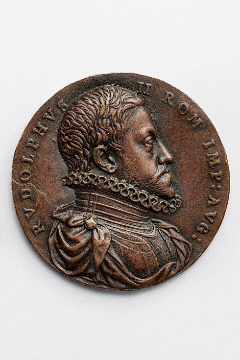 Antonio Abondio (1538 – 1591): Medaile Rudolfa II. k nástupu na císařský trůn, datována letopočtem 1576 (soukromá sbírka v ČR)