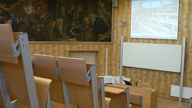 Střední průmyslová škola strojní a elektrotechnická v Českých Budějovicích získala pro školní rok 2010-2011 novou aulu.