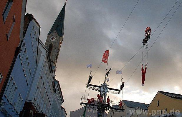 Akrobati odolali větru…