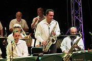 Páteční večer na hladině slepého ramene ovládl Josef Laufer a Rozhlasový swingový orchestr ČRO Č. Budějovice