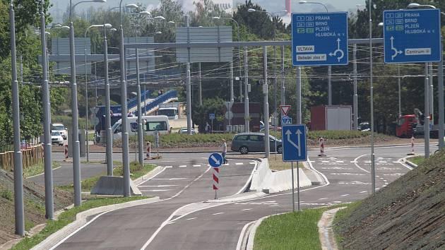 Propojovací silnice v Českých Budějovicích spojuje dvě českobudějovická sídliště Máj a Vltava.