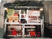 Kromě vánočního punče si labužníci pochutnávají i na malinovém punči, pečeném čaji nebo na novince Bombardinu se šlehačkou.