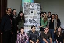 Baví je historie, ač by se jednou mohli stát třeba architekty. Studenti  se pouští do příběhů velké války.