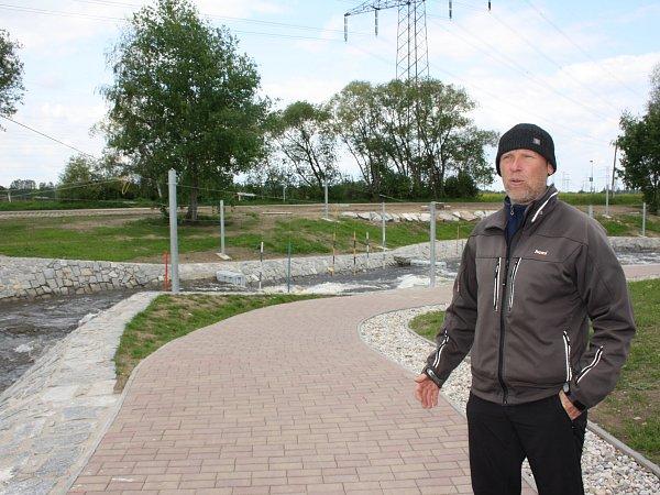 Tvář budějovických vodních slalomářů a bývalý olympionik Jakub Prüher říká, že snovým kanálem vČeském Vrbném strmě stoupl zájem otento sport.