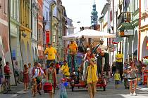 Mezinárodní festival pouličních umění Svatý P.R.D. Pouliční Rozhlas Divadelní v Českých Budějovicích.