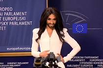 Conchita Wurst v Bruselu.