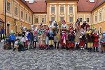 Moranu vynesli v neděli členové folklórního souboru Borovánek z borovanského kláštera až k řece Stropnici.