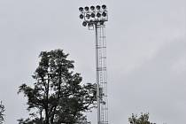 Pod světly v Písku půjdou prvně fotbaloví fanoušci na III. ligu: FC Písek se s K. Vary střetne v pátek od 18 hodin, takže si fotbalisté ke konci díky novému osvětlení přisvítí.