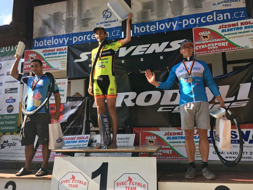Petr Košin cyklistiku miluje. Jezdí celá rodina