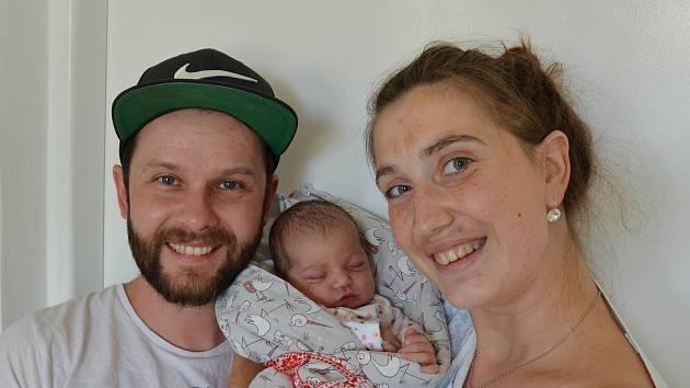 Zuzana Simotová z Písku. Prvorozená dcera Martiny Čedíkové a Ladislava Simoty se narodila 13. 7. 2021 v 7.33 hodin. Při narození vážila 3550 g a měřila 50 cm.