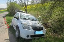 Řidič se 2,3 promile alkoholu havaroval u Hrdějovic do příkopu.