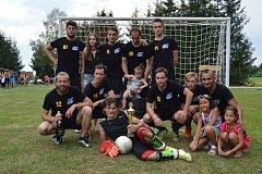 Ani velké vedro nezabránilo besednickým Kanonýrům porazit zbývající čtyři fotbalové týmy v Ločenicích na 4. ročníku turnaje o pohár starosty obce Ločenice.