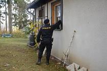 Policisté kontrolují rekreační oblasti, ale zabezpečení chat a chalup je na majitelích. Foto: Policie ČR