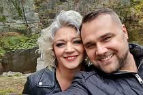 Z natáčení videoklipu Snad vrátí se brzy zpěvačky Nadi Válové, které žije v Hrdějovicích