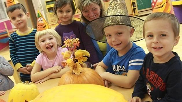 Halloween v mateřské škole v Čéčově ulici.
