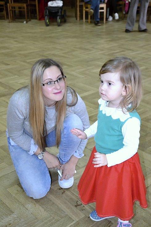 Ještě před zahájením půstu si užily masopust děti z mateřských škol v Nových Hradech a Žáru. Foto: Petr Aksamit