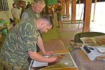 Myslivci z Bohunic na Vltavotýnsku si připomněli střeleckou soutěží zesnulého kolegu. Akce se konala v první červnovou sobotu na střelnici Borek nedaleko Českých Budějovic.