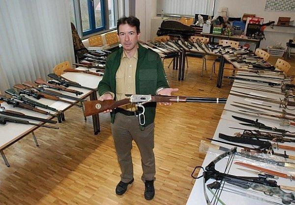 Dost zbraní na jednoho muže!