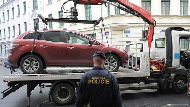Třebíč začne s úklidem ulic, pozor na odtažení auta
