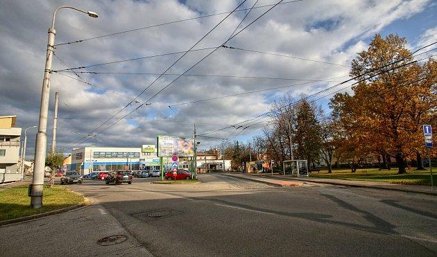 Současná podoba náměstí vSuchém Vrbném je velmi neutěšená. Občané se těší na změny, které zahrnou autobusovou zastávku, postihnou ošklivě vyhlížející budovy, nabídnou občerstvení a kvalitní komunikace, chodníky.