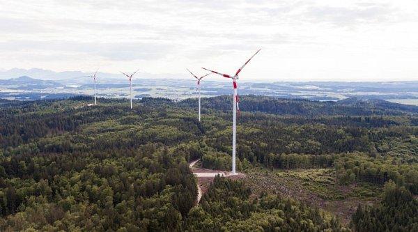 Větrný park usousedů zahajuje.