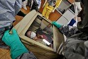 V případě, že by hrozila nákaza ebolou, byl by pacient přepraven do nemocnice na Bulovce.