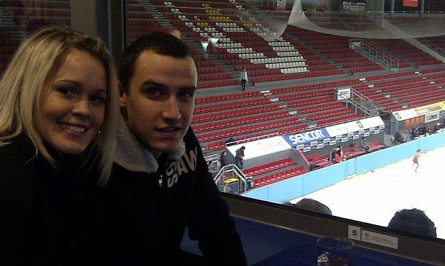 Jiří Kladrubský na krasobruslení v Budvar aréně s manželkou  Terezou