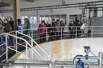 Velký zájem byl o prohlídku Úpravny vody Plav v sobotu při dnu otevřených dveří. Možnost seznámit se s technologií úpravy pitné vody využili obyvatelé Českých Budějovic i obcí z okolí vodárny, největšího producenta pitné vody v jižních Čechách.