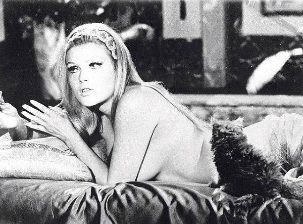 Po natočení komiksové komedie Kdo chce zabít Jessie? (1966) se Schoberová definitivně stala ženským sexsymbolem 60.let.