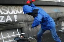 Útok tyčí řeší budějovický okresní soud