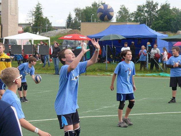 Barevný volejbal v areálu Meteoru České Budějovice