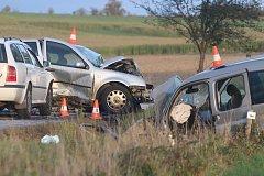 Nehoda mezi obcemi Kaliště a Zaliny  na Českobudějovicku si vyžádala čtyři těžce zraněné osoby.