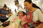 Večerníček oslavil společně se stovkami dětí i dospělých v sobotu v českobudějovickém multikině CineStar své padesáté narozeniny.