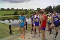 Hlavní favorité před startem závodu. Zleva Jan Kreisinger, Martin Frelich, Jiří Csirik a Pavel Frelich