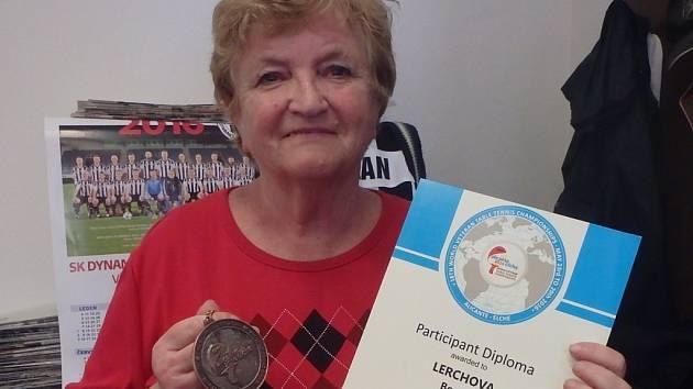 Božena Lerchová si přivezla z mistrovství světa v Alicante páté místo v singli a bronz v deblu.