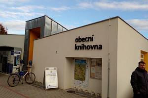 V boršovské knihovně si můžete půjčit knihy, ale nabízejí zde i další služby.