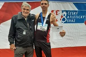Marek Volf se stříbrem v mistrovství žáků.