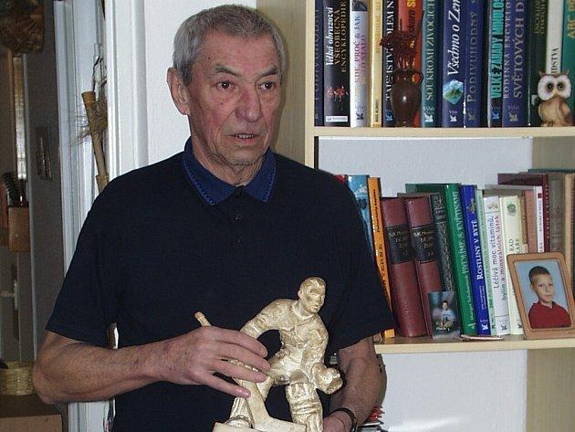 Do týmu hvězd českobudějovického hokeje byl zařazen i brankář Jan Vodička, který se v roce 1956 zúčastnil zimních olympijských her v Cortině d`Ampezzo.
