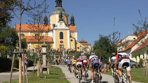 KRÁSY jižních Čech budou ode dneška do neděle poznávat špičkoví cyklisté.