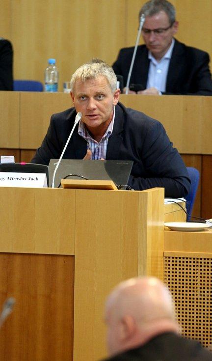5. zasedání Zastupitelstva Jihočeského kraje - odstoupení hejtmanaMiroslav Joch (ČSSD)