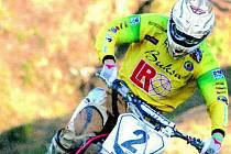 V barvách týmu LR Cosmetic ještě Martin Michek vyhrál říjnové mistrovství republiky družstev v Kaplici. Ve středu by měl podepsat smlouvu s italským továrním týmem TM.