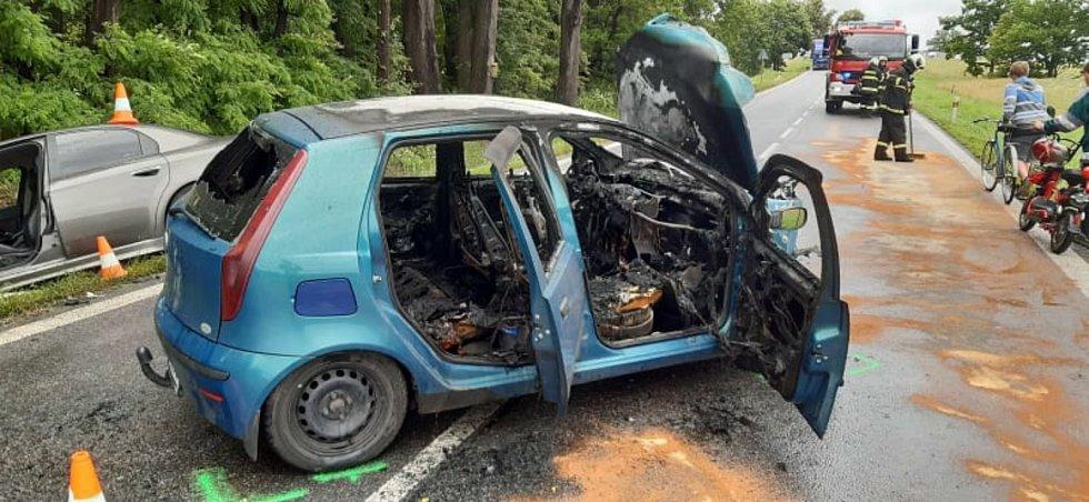 Dopravní nehoda dvou aut poblíž Štěpánovic.