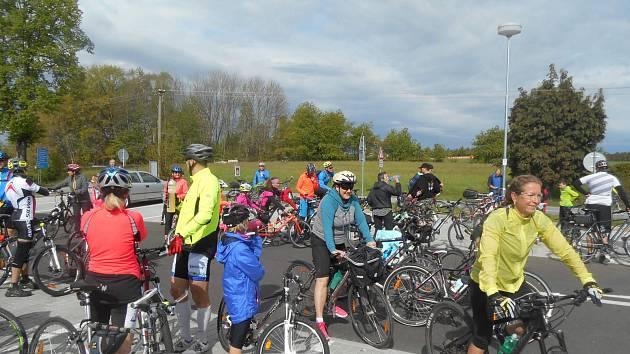 Plnoletosti letos dosáhla populární cykloturistická akce Jízda pro Růži.