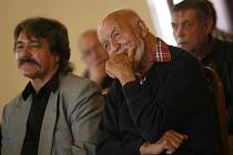 V noci z neděle na pondělí odešel do spisovatelského nebe další z uznávaných jihočeských autorů – Věroslav Mertl. Bylo mu 84 roků. Své poslední narozeniny oslavil 30.března.